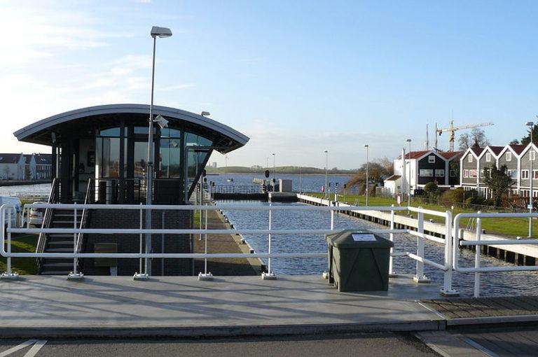 Grote Sluis in Spaarndam gestremd voor de pleziervaart