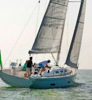 VT_11-16_Italia Yachts 12.98