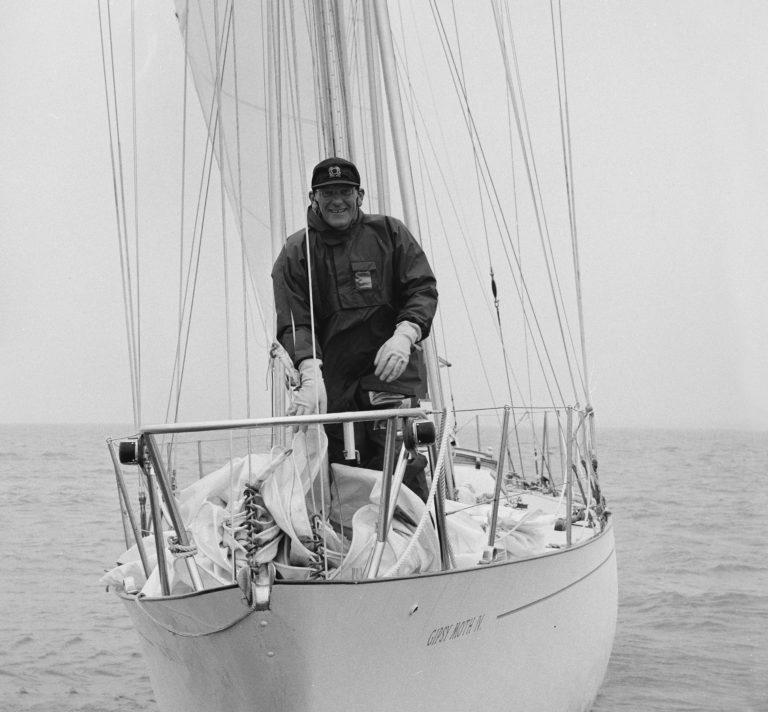 Chichester: een zeillegende die eenzaamheid op zee verhielp met gin
