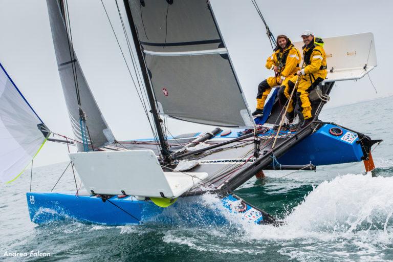 Geen record voor open oceaancatamaran
