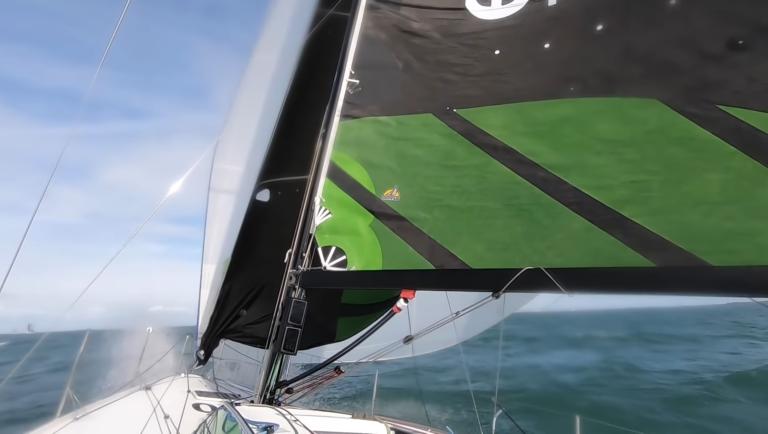 Video: Zo gijp je in je uppie op een Figaro 3