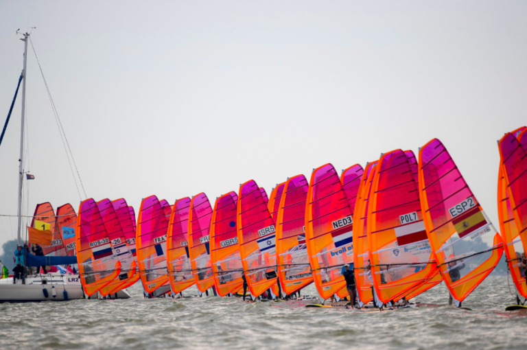 Medemblik Regatta: wind, water en internationale topzeilers