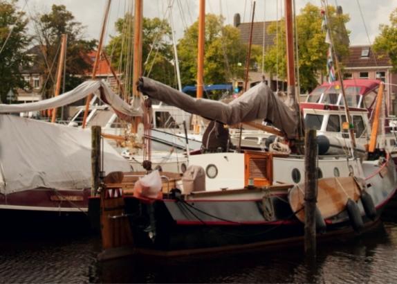 Zwartsluis onder Zeil: 'Zeilerslatijn', admiraalzeilen en gezellige Shantykoren