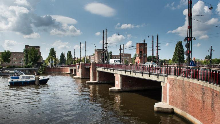 Amsterdamse bruggen komende dagen dicht voor boten