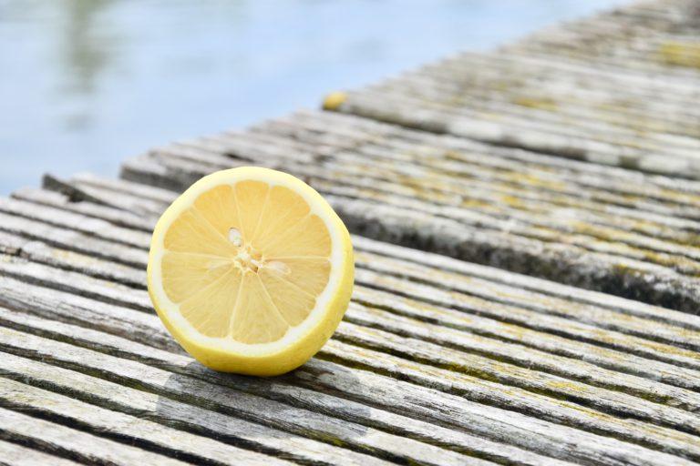 Dit schoonmaaktrucje met citroen moet je weten!