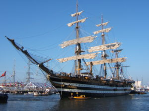 Bezoek driemaster Amerigo Vespucci in Amsterdam