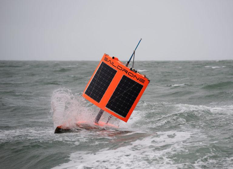 Onbemande Saildrone zeilt rondom Antarctica