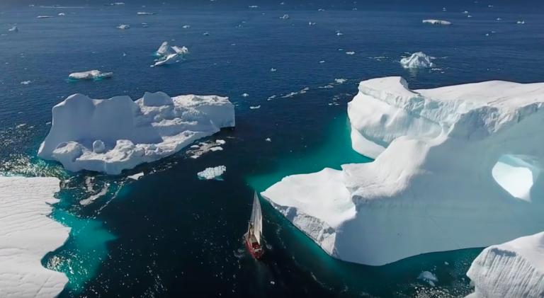 Video: zó prachtig is het om door Groenland te zeilen