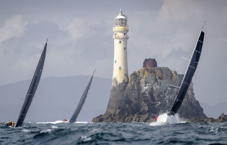Rolex Fastnet Race finisht in 2021 en 2023 in Frankrijk