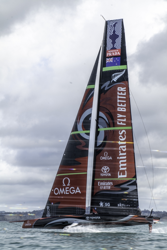 Zien: De foilende AC75 van Emirates Team New Zealand