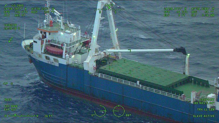 'Spookschip' spoelt na 1,5 jaar aan in Ierland (+video)