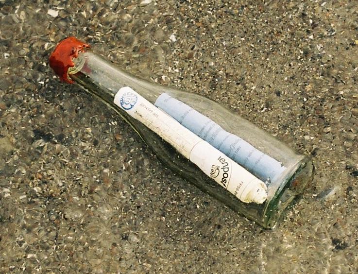 Flessenpost uit 1997 aangespoeld op Terschelling
