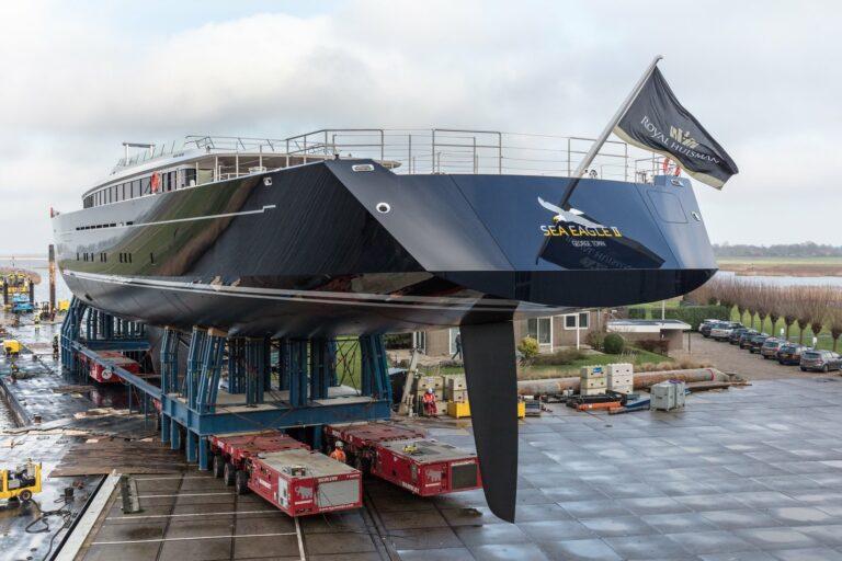 Aflevering superjacht Sea Eagle II uitgesteld vanwege corona