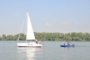 Wordt een vaarbewijs ook verplicht voor bestuurders van kleinere boten?