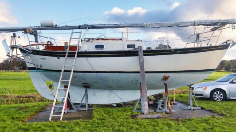 Nu in Zeilen: Overvaren door een motorboot