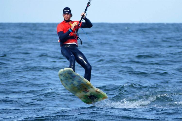 Plastic Soup Surfer ondervraagt politicus Timmermans live op Instagram