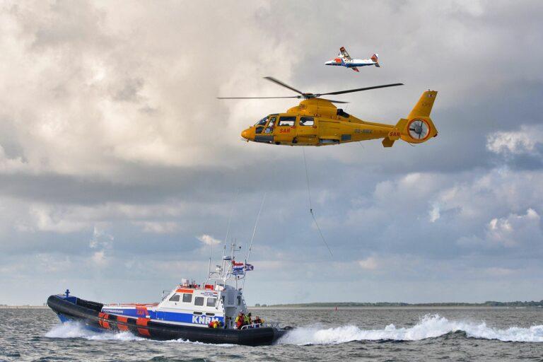 Grote zoekactie naar overboord geslagen zeiler op het IJsselmeer