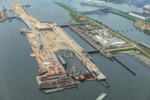 'Zeesluis IJmuiden' is de naam van de nieuwe zeesluis in IJmuiden