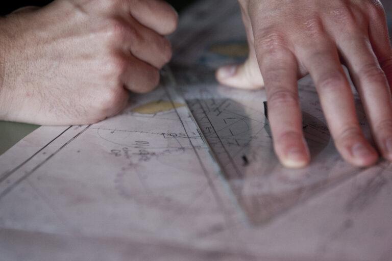 Papieren zeekaarten bijwerken, hoe doe je dat?