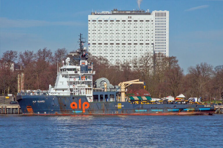 Hollandse glorie onmisbaar bij ontstoppen Suezkanaal