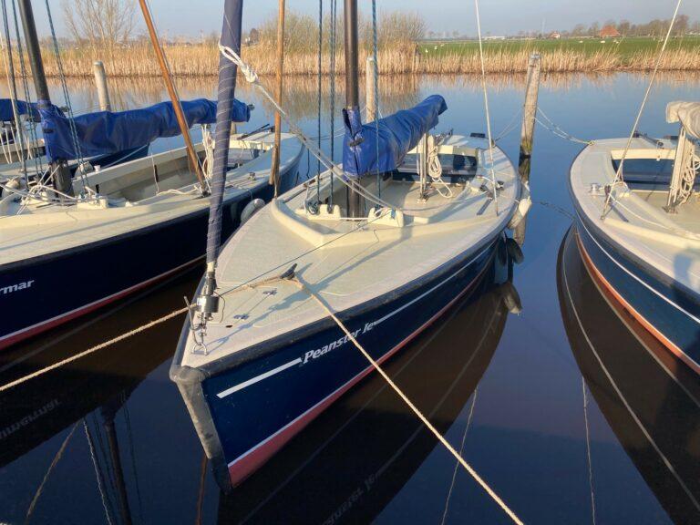 Zeilschool lanceert zeilboot voor linkshandigen