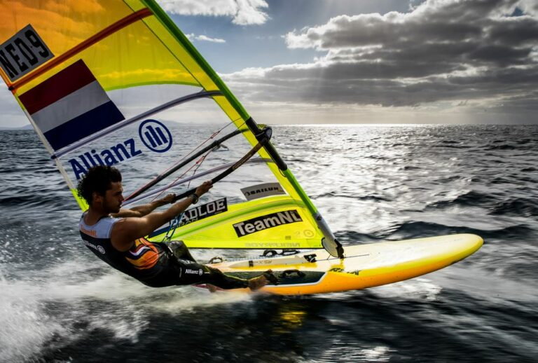 Nederlandse windsurfers timmeren aan de weg – Liveblog Olympische Spelen