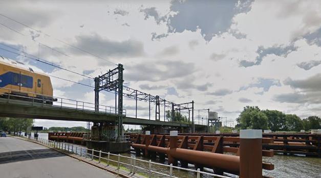 Spoorbrug over Van Harinxmakanaal Leeuwarden minimaal drie weken gestremd